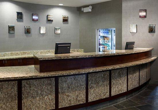 Kirkland, واشنطن: Front Desk