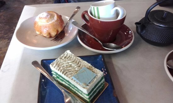Crows Nest, Australia: Brioche Bun, Earl Grey Tea with milk and Matcha Cake