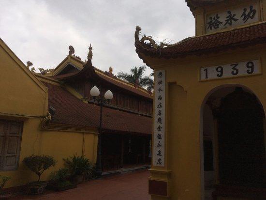 Chua Tran Quoc: Temple