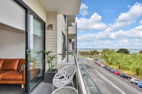 1 Bedroom Apartment With Park Bay Views Picture Of Vue Apartments
