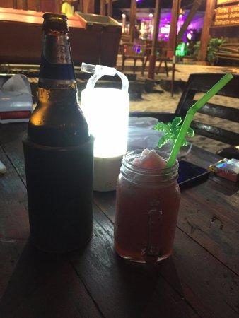 Saikaew Villa: 啤酒和草莓冰沙