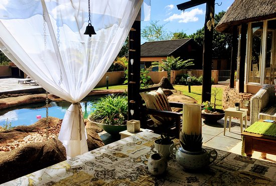 Kloof, Afrika Selatan: Rock pool and Patio Dining area