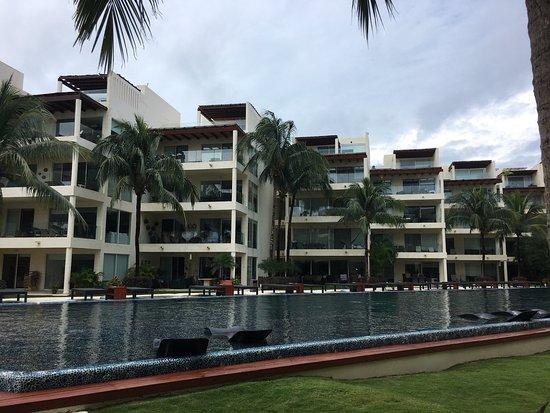 The Elements Oceanfront & Beachside Condo Hotel: photo0.jpg