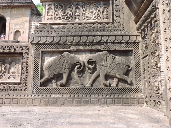 Maheshwar, อินเดีย: Chatri of Vithoji