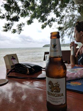 Nikitas Beach Restaurant: Cold Beer!