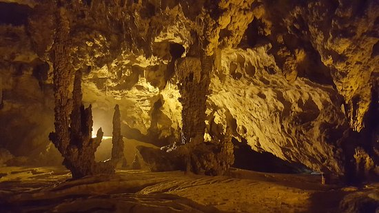 large caverns picture of nguom ngao cave cao bang tripadvisor. Black Bedroom Furniture Sets. Home Design Ideas