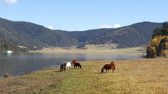 Potatso National Park: lake