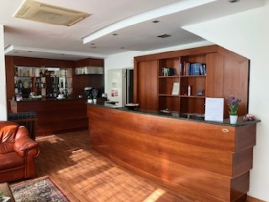 Hotel santa lucia bastia umbra italia prezzi 2018 e recensioni - Santa lucia mobili prezzi ...