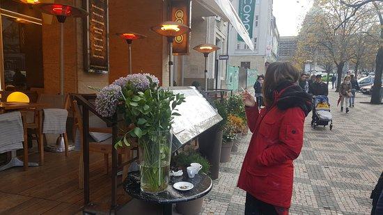 Jalta Boutique Hotel: Унизительная возможность пить кофе и курить, когда рядом терраса