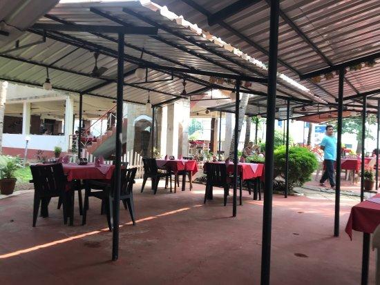 Restaurants Near Club Mahindra Varca Beach Goa