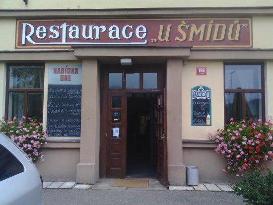 Bila Tremesna, Tjekkiet: u vstupu do restaurace