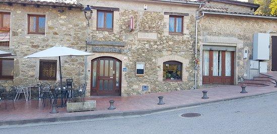 Mieres, Spanien: Entrada al Restaurant ayer 15 Noviembre2017