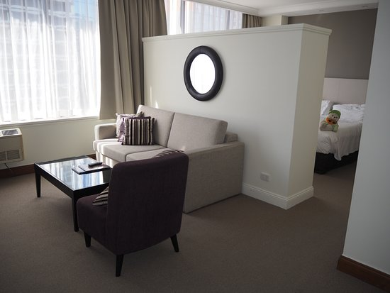 Rydges Melbourne Hotel: A Queen Spa Suite