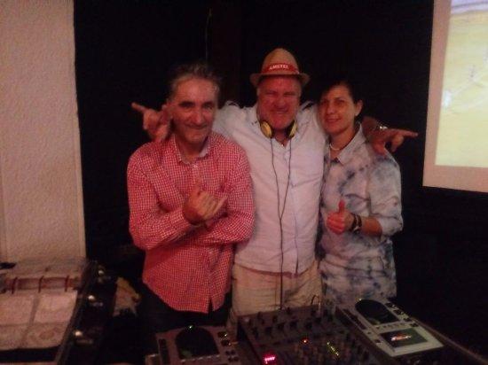 Botequim Barao: Eu e minha Lindona com o DJ Songa - figurasso !!!