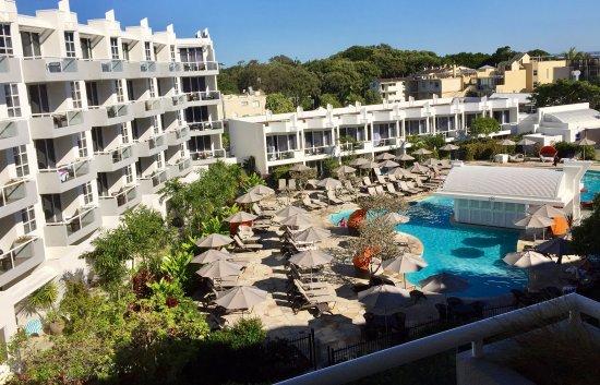 Sofitel Noosa Pacific Resort: High floor pool view.