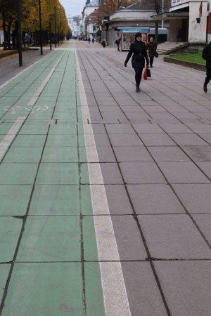 Laisves aleja (Liberty Boulevard): goes on forever