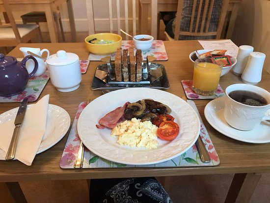 Heather House: Breakfast