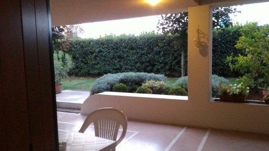 Sona, Itália: balconcino esterno