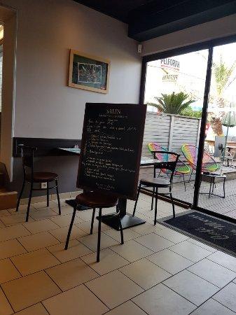Cafe de la Marne