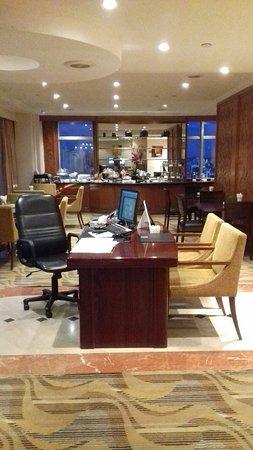 โรงแรมริเวอร์ไซด์ มาเจสติก: 20171116_183836_large.jpg
