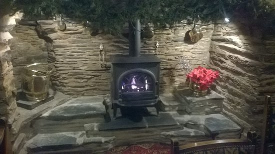 Machynlleth, UK: A warm cosy fire place