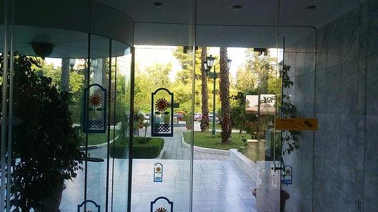 Pallini Beach Hotel Chalkidiki: Внутри прохладно