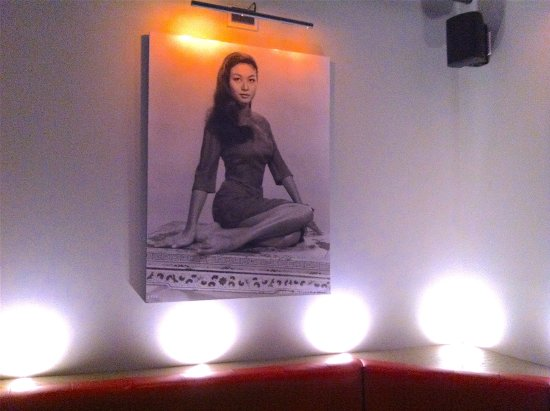 Co Banh Mi Noodles Bar: hip decoration