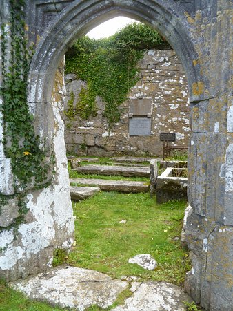 Ballyvaughan, Ierland: Archway at Bishop's Quarter