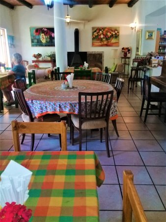 Calitzdorp, Νότια Αφρική: We have inside as well as outside seatings, all so colourful.
