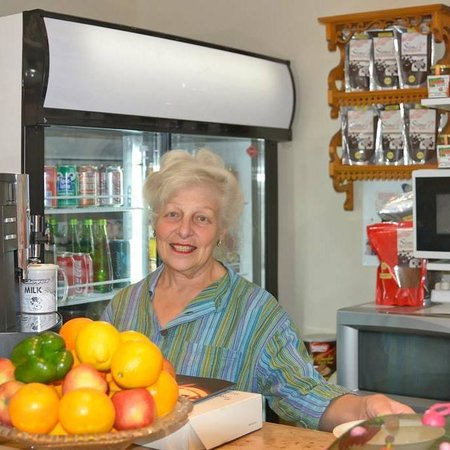 Calitzdorp, Νότια Αφρική: The lady behind it all, owner Sandy Alpert to welcome you on your arrival.
