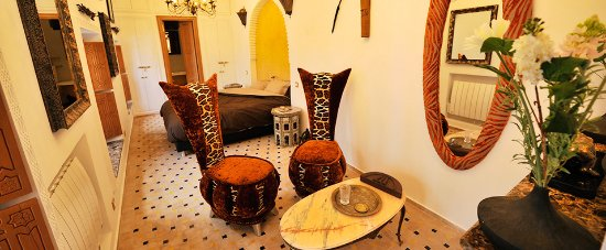 Riad Asrari: African Junior Suite - Suite Junior Africaine