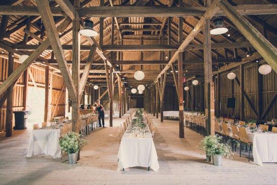 Fiskars, Suomi: Wedding venue the Threshing House interiors