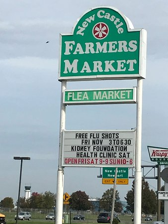 New Castle, DE: Farmers Market Sign on Highway 2017