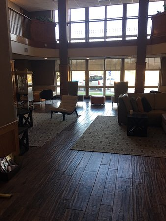 Drury Inn & Suites Lafayette: The details and the layout at the Drury Inn add to an enjoyable stay. Thank you Joseph for makin