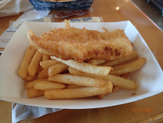 Kailis Fish Market Cafe: fish and chips
