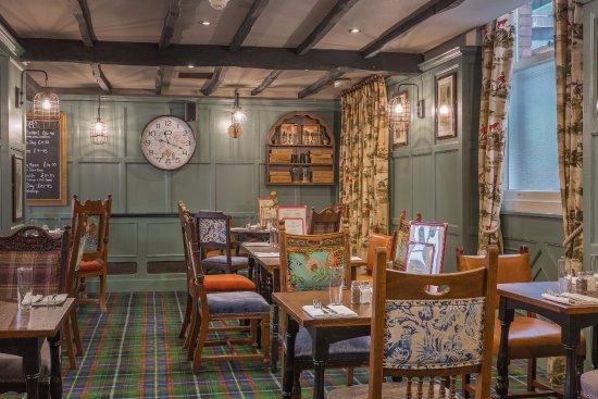 Salisbury Arms Hotel: Newly refurbished Cromwells Room