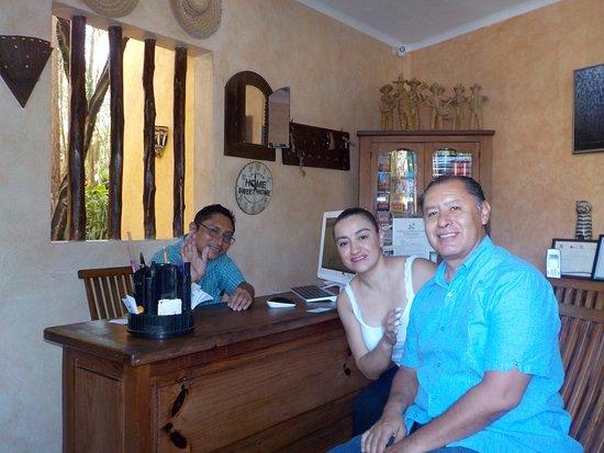 Barrio Latino Hotel : Magnífica atención en recepción.