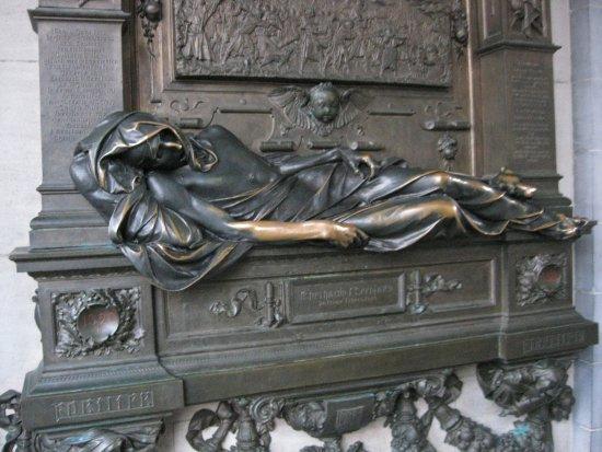 Statua porta fortuna foto di everard 39 t serclaes - Foto porta fortuna ...