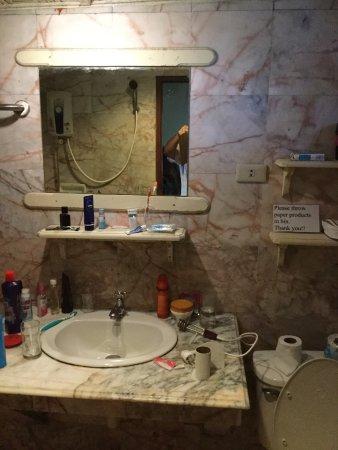 La Salle De Bains On A Envie Dy Rester Picture Of - Envie de salle de bain