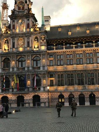 Grote Markt van Antwerpen: photo2.jpg