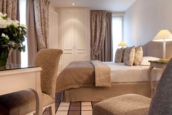 Hotel Champs-Elysees Friedland: Guest Room