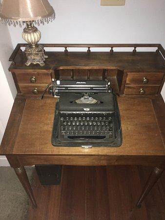 Marlboro, Βερμόντ: Typewriter In Lobby Area.
