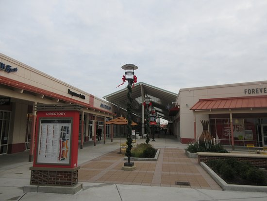 Outlet Mall in Aurora