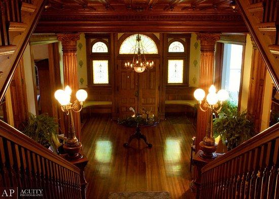นอร์ทออกัสตา, เซาท์แคโรไลนา: Stair Landing to Grand Entrance