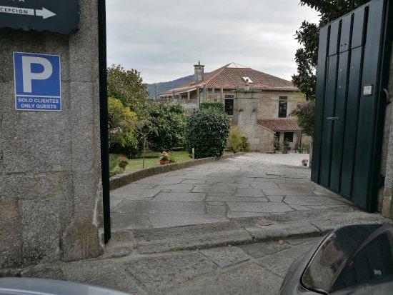 Tui, España: entrada vehiculos