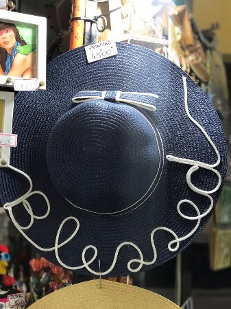 Chapéu de Praia nome bordado - Foto de Mercado Central de Fortaleza ... 4cc2439dfa0