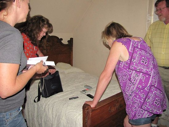 Villisca Axe Murder House: Capturing evidence in the upstairs bedroom