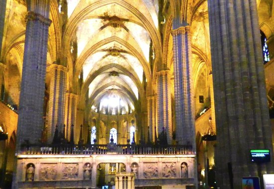 Interno Barcelona Cathedral Tripadvisor
