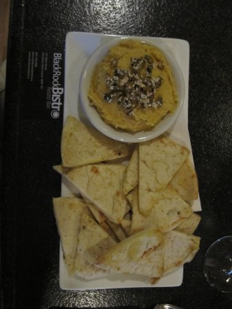 Parrsboro, Canada: Hummus and Pita