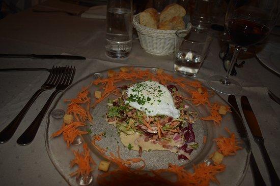 Nadrin, België: Salade aux lardons (excellente)